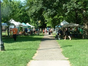 Farmers Market at Trinity Bellwoods Park