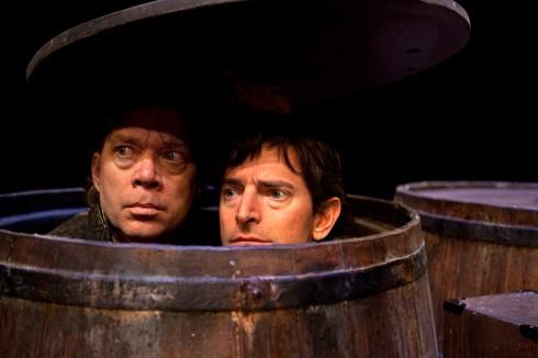 Ted Dykstra as Rosencrantz and Jordan Pettle as Guildenstern, photo Cylla von Tiedemann