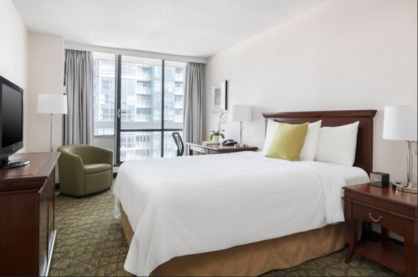 Chelsea Queen Room at Chelsea Hotel, Toronto