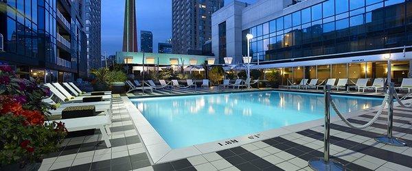 Outdoor swimming pool at Radisson Admiral Hotel Toronto