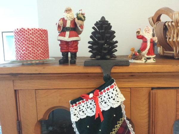 Abbott Pine Cone Stocking Holder