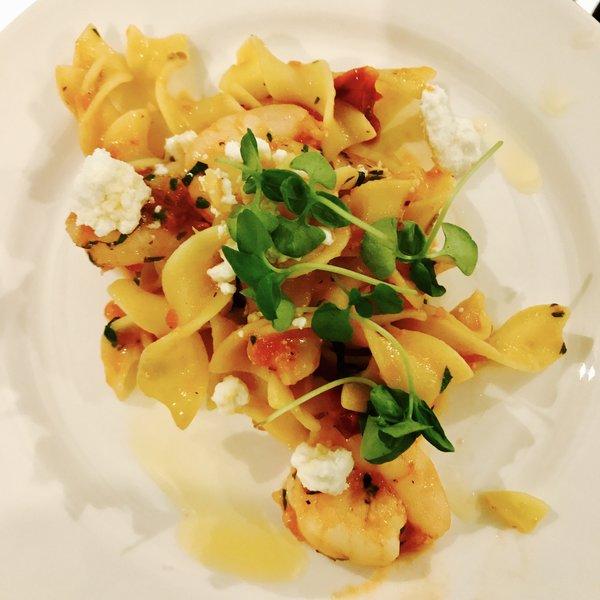CN Tower Chef John Morris's Date Night Lemon Shrimp Pasta