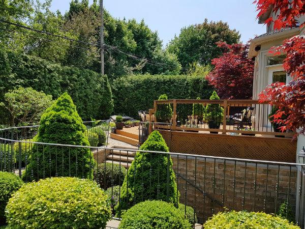 A gorgeous patio and garden on Mark's Choice Through The Garden Gate 2018 tour.