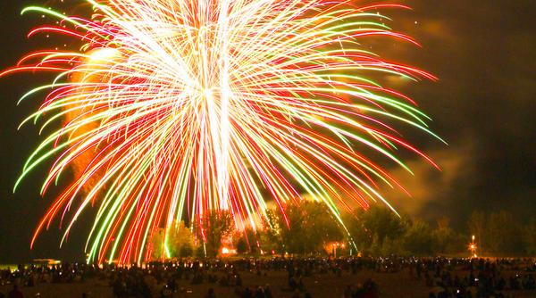 Fireworks at Ashbridge's Bay, Toronto, photo synestheticstrings