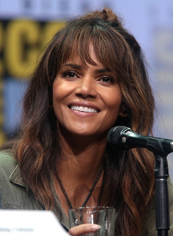 Halle Berry, photo by Gage Skidmore, CC BY-SA 3.0, https://commons.wikimedia.org/w/index.php?curid=61271080