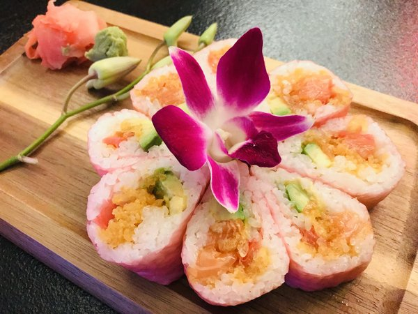 Salmon sushi flower at Grand Bizarre Supper Club