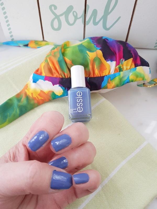 Essie pret a surfer nail polish