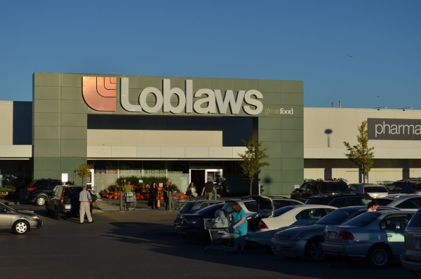 Loblaws Grocery Store, By Raysonho Open Grid Scheduler Grid Engine - Own work, CC0, https://commons.wikimedia.org/w/index.php?curid=28976314