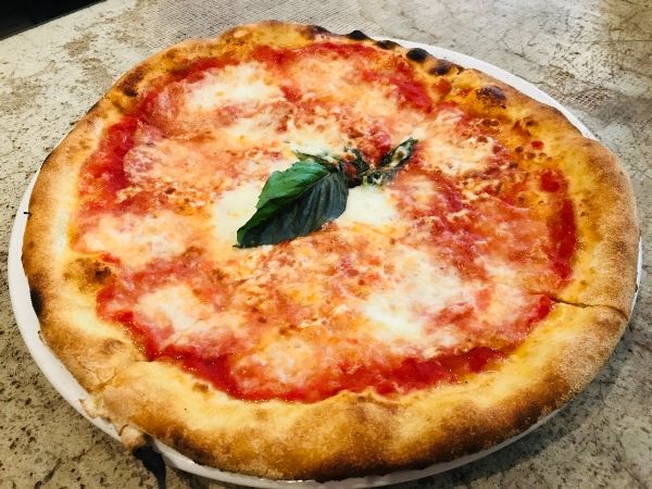 Margherita Pizza at Oretta