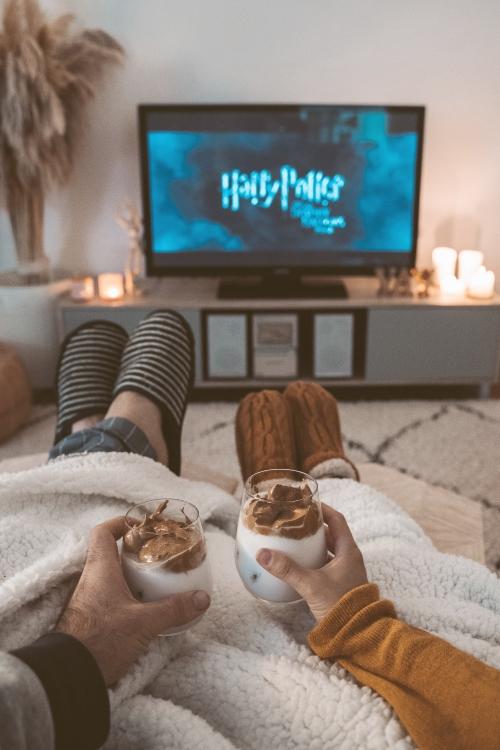 Romantic Movies to Watch on Valentine's Day pexels-taryn-elliot-4488194