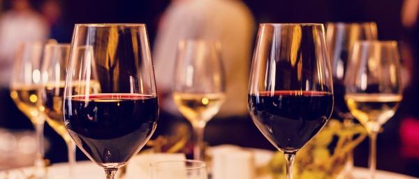These wine hacks to enhance your wine appreciation, photo AdobeStock_216658795