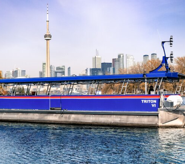 Looking for things to do Civic Holiday Weekend in Toronto 2021? Take a 1 Hour Toronto Harbour Tour with Live Narration.