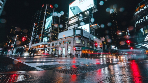Read about these strategies to revive commercial real estate in Toronto after the COVID-19 pandemic, photo Matthieu Petiard via Unsplash
