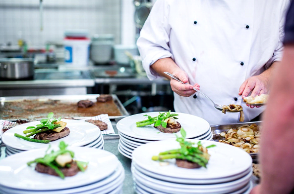 Read these tips on how to choose the best caterer, photo Rene Asmussen via Pexels
